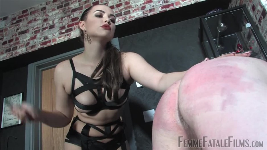 [Femdom 2018] FemmeFataleFilms – Pushing Limits – Complete Film. Starring Mistress Serena [scratching, spanking, whip]