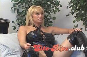 old woman boobs nude