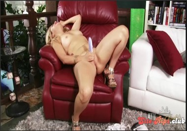 Andrea Acosta gets horny and masturbates with her toy