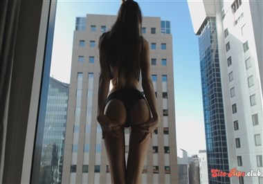 Miss Alice 94 City Strip Tease